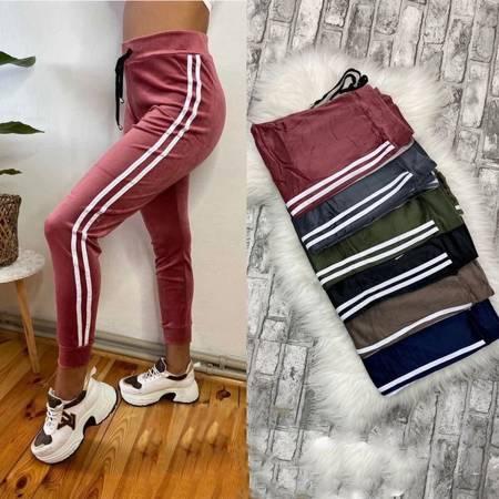 Темно-розовые спортивные штаны с лампасами - Одежда