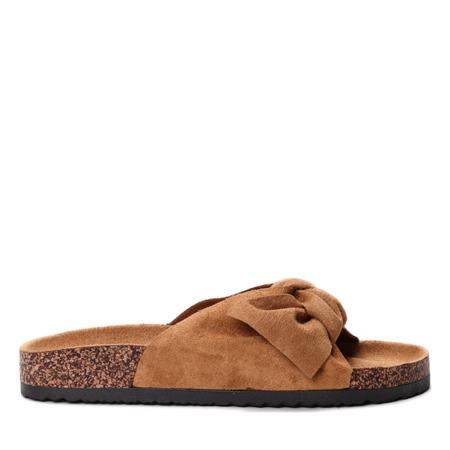 Klapki w kolorze- camel- Obuwie