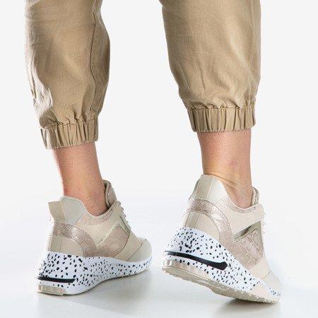 Бежеві жіночі спортивні кросівки на клині Acanta - Взуття 1