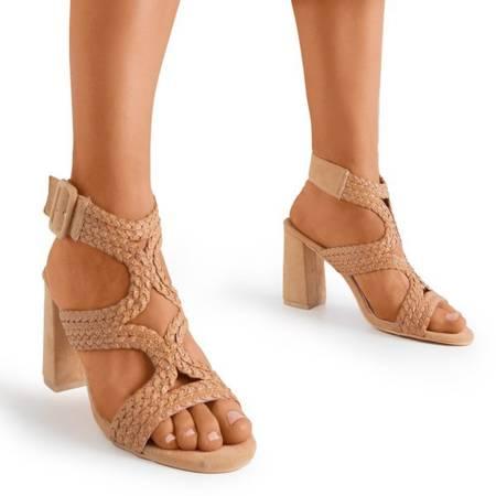 Босоніжки світло-коричневого кольору на вищій посаді Viesia - Взуття