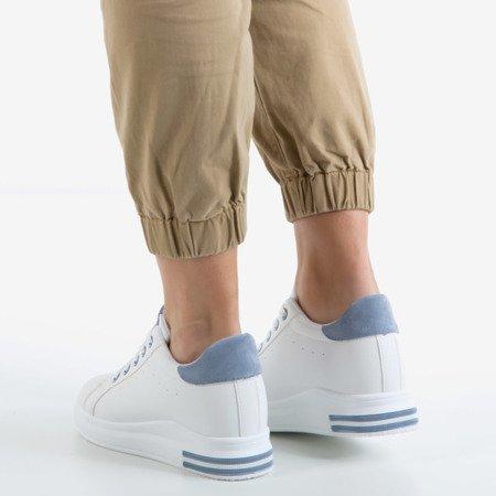 Біле спортивне взуття на закритому клині із синіми вставками Sliomena - Взуття 1