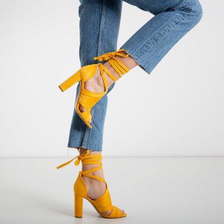 Жовті жіночі босоніжки на високій стійці з валом Lanaline - Взуття