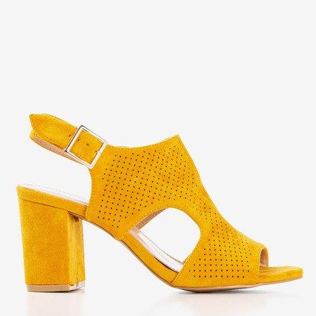 Жіночі гірчичні сандалії на високій стійці з верхньою частиною Ilonepa - Взуття