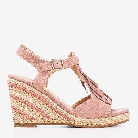Жіночі рожеві босоніжки з бахромою Одіна - Взуття