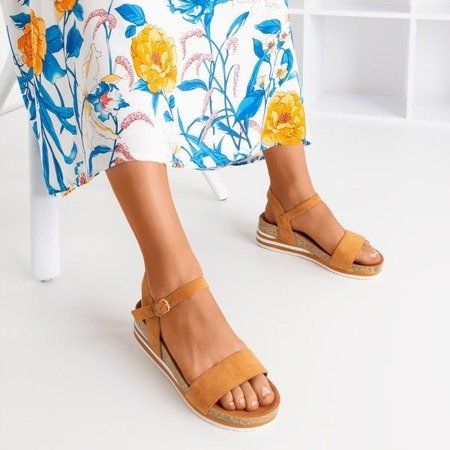 Коричневі босоніжки на платформі Kalifa - Взуття 1