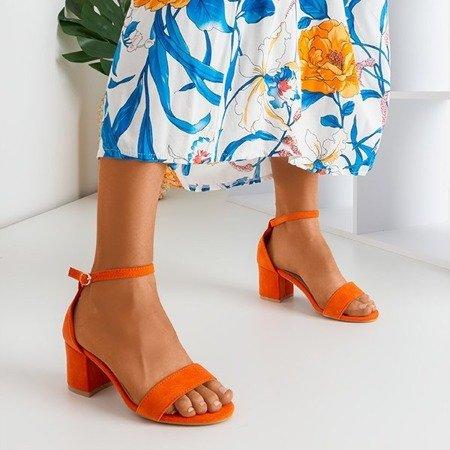 Помаранчеві босоніжки на низьких підборах Sandena - Взуття 1