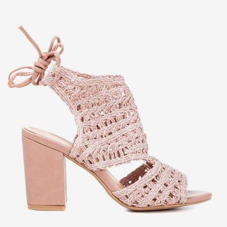 Рожеві солом'яні босоніжки на вищій стійці Villaga - Взуття