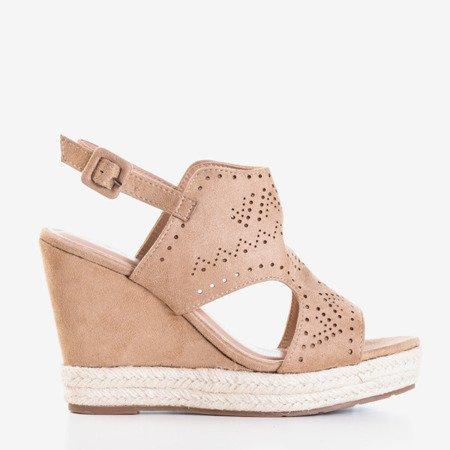 Світло-коричневі клинові босоніжки з ажурною обробкою Prolia - Взуття