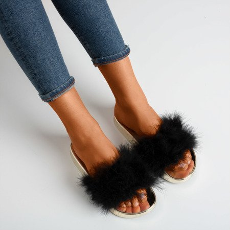 Чорні шльопанці з хутром Lovia - Взуття 1